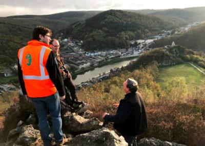 Repérage sur le géosite des Quatre Fils Aymon à Bogny sur Meuse (F) avec les spécialistes locaux.