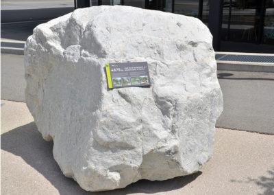 Quelques tonnes de quartzite pour illustrer la puissance des laves